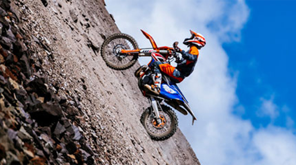 KTM 300 EXC TPI SIX DAYS jau salonā!